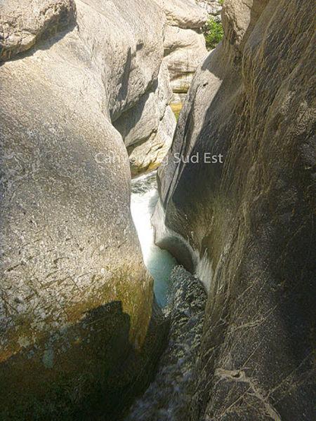 Beau bief dans le canyon du Cramassouri