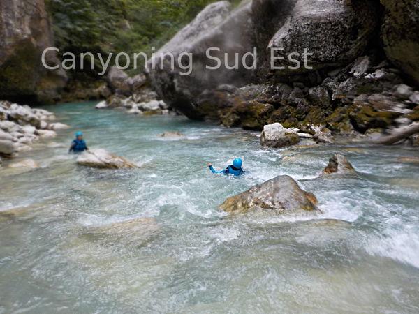 Nage en eaux vives dans le Verdon
