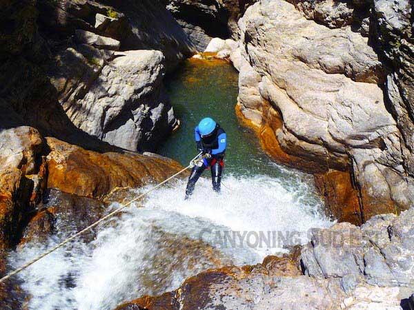 Rappel aquatique - canyoning Lance